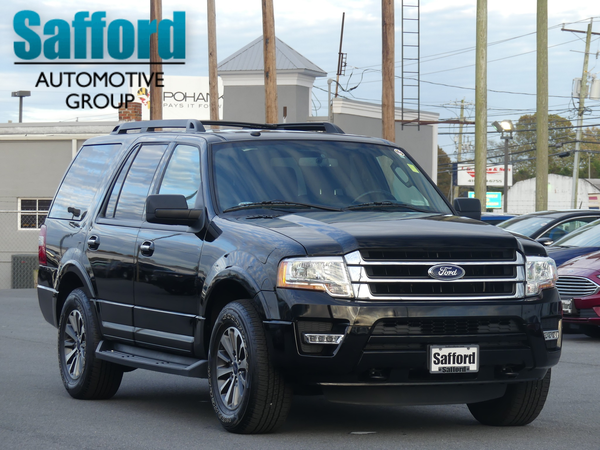 Certified Pre Owned 2017 Ford Expedition Xlt Sport Utility In