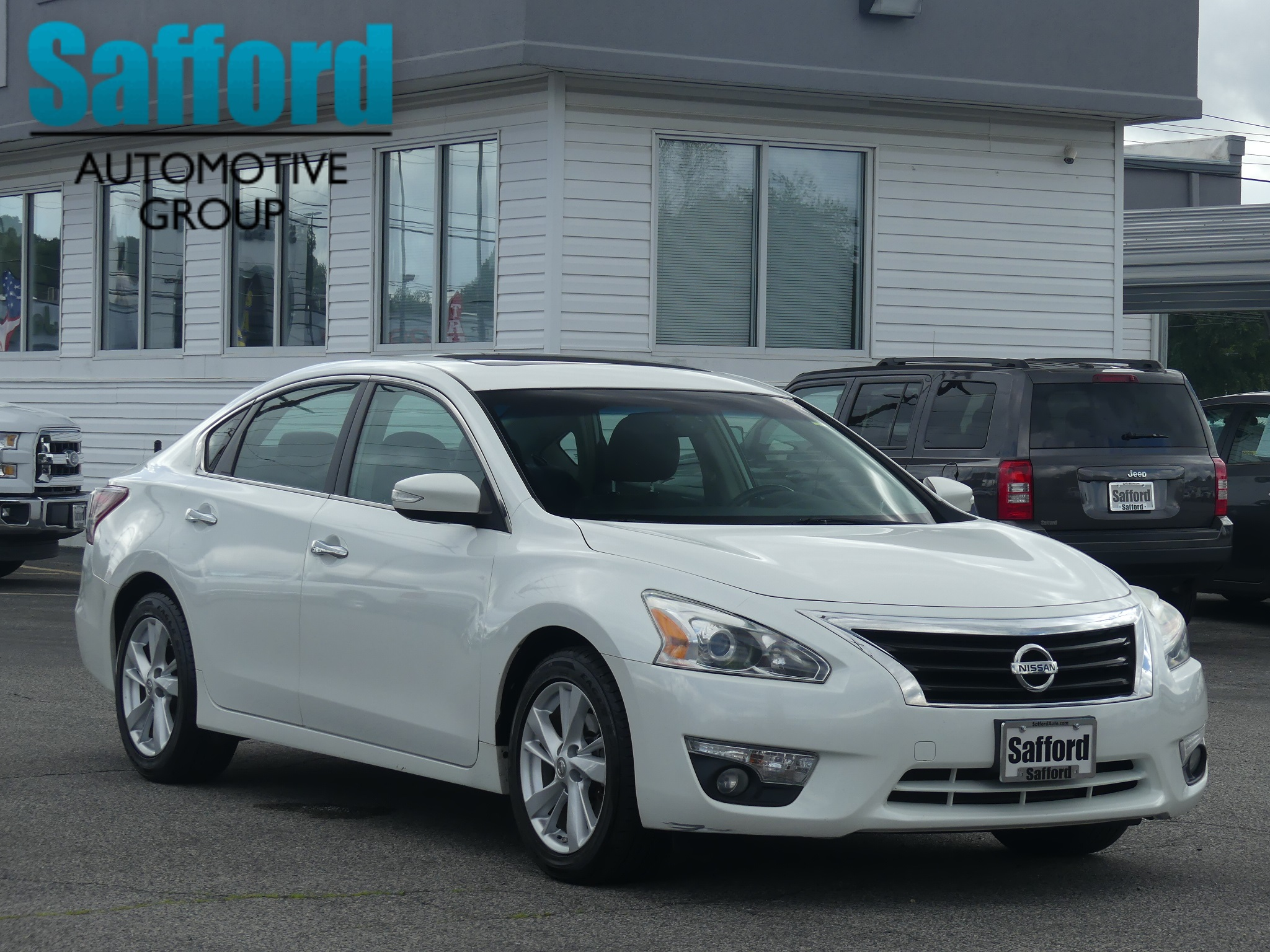 Amazing Pre Owned 2013 Nissan Altima 2.5 SV